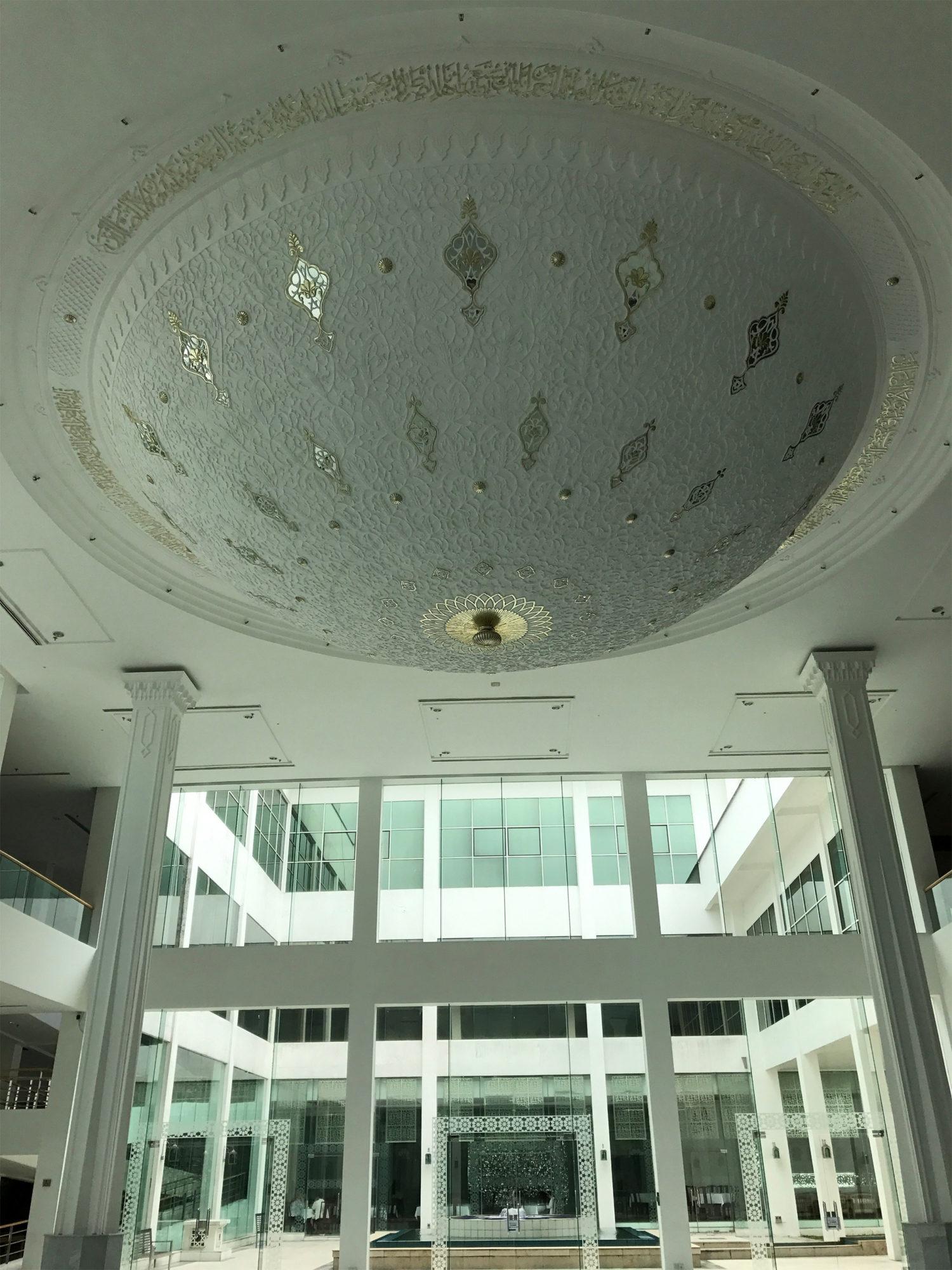 モスクの様なドーム状の天井その1